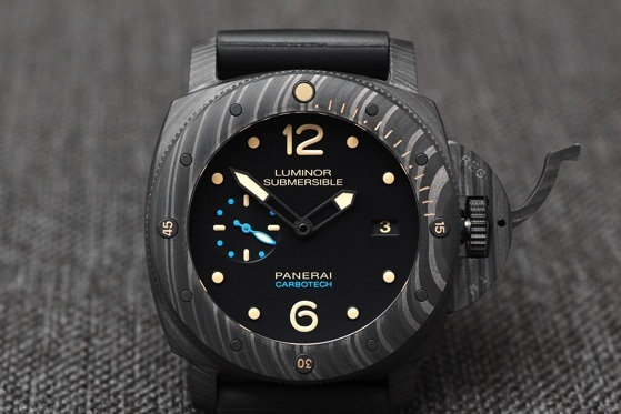 Panerai-Luminor-Submersible-1950-Carbotech-WatchTime-11