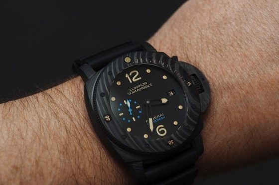 Panerai-Luminor-Submersible-1950-Carbotech-WatchTime-2